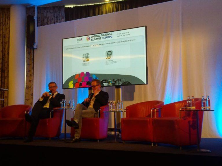 Diskutierten auf dem Podium - Florian Rotberg und Tilman Rotberg (Foto: invidis)