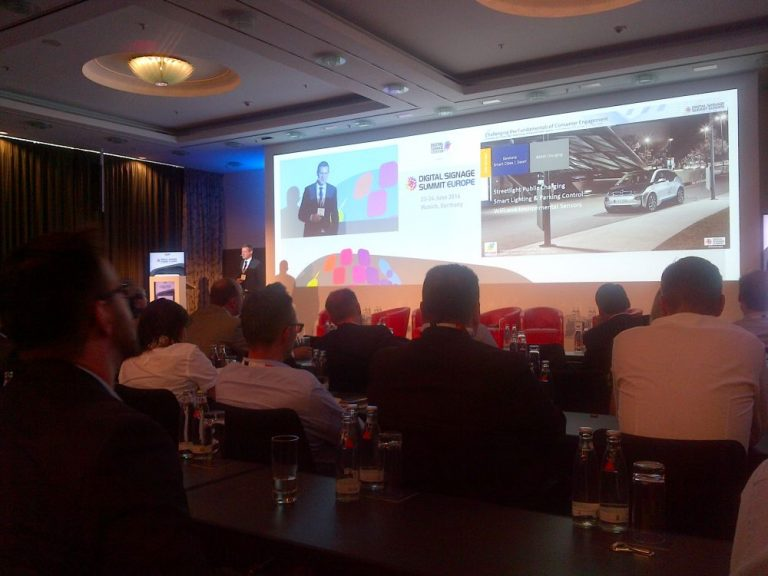 Florian Rotberg bei der Eröffnungs-Keynote des DSS Europe 2016 (Foto: invidis)