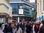 Kampagnenmotto und frecher Claim sorgen für Aufmerksamkeit - Start der Kampagne im britischen Leeds (Foto: Grand Visual)