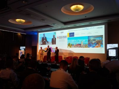 Mike Blackman, Florian Rotberg und Oliver Schwede eröffnen den DSS Europe 2016 (Foto: invidis)
