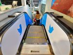 Mobilnutzer kann man auch an der Rolltreppe kommunikativ begleiten (Foto: IGPDecaux)