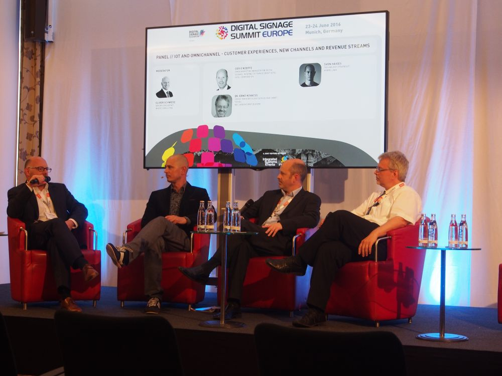 Das Panel IoT and Omnichannel - Customer experiences, new channels and revenue streams bei der Diskussion (Foto: invidis)