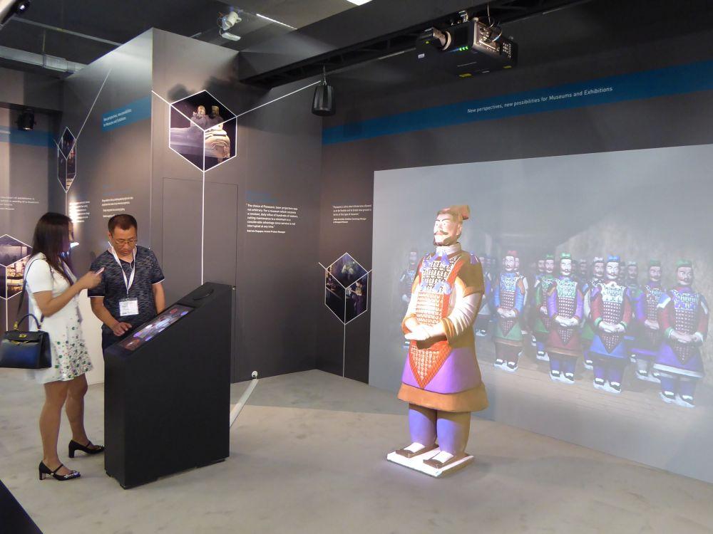 Am Stand zeigte der Hersteller moderne Visualisierungslösungen für Museen (Foto: Panasonic)