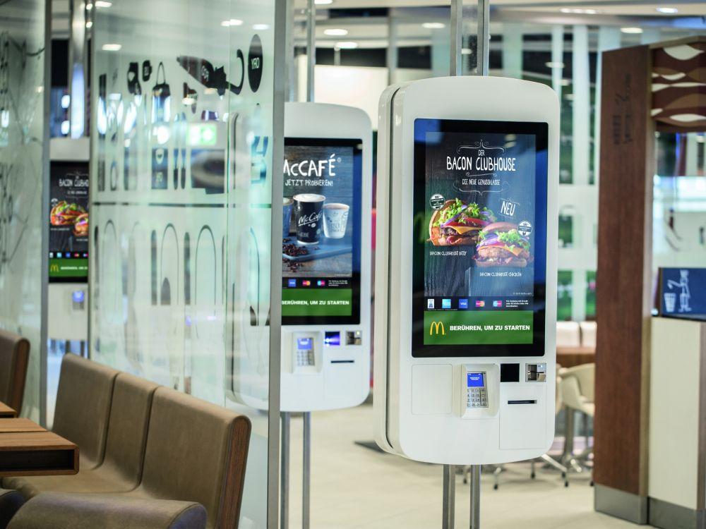 Easy Order Terminals am McDonald's Flagship am Airport Frankfurt (Foto: McDonald's)