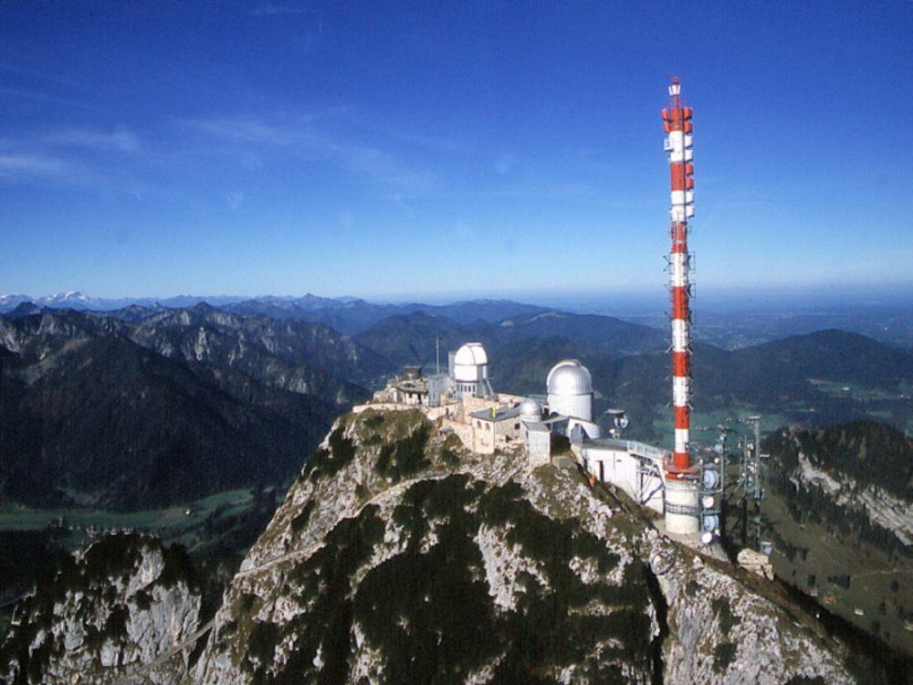 In über 1.800 m Höhe befindet sich der Sender Wendelstein mit der BR Servicezentrale (Foto: BR / Annette Legner)