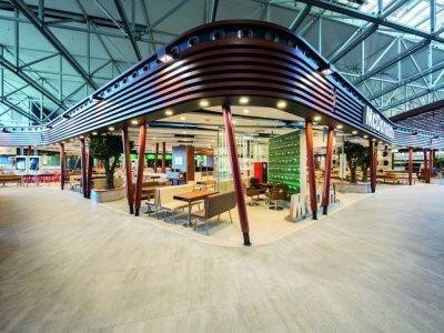 Offene Architektur und offene Bestellprozesse - Mc Donald's Flagship am Flughafen Frankfurt (Foto: McDonald's)
