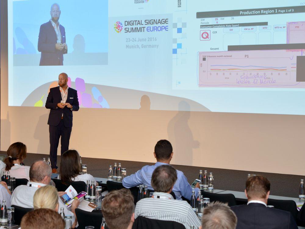 Wie Unternehmen ihre Mitarbeiterkommunikation via Digital Signage lösen zeigte Markus Deserno (Foto: Frank-Dietmar Böhm)