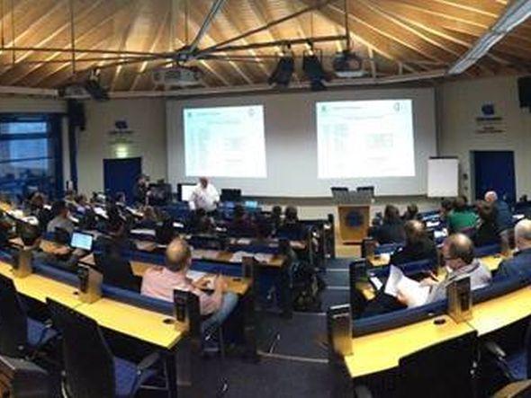Auch erfahreneTechniker müssen dann und wann die Schulbank drücken (Foto: Kramer Germany)