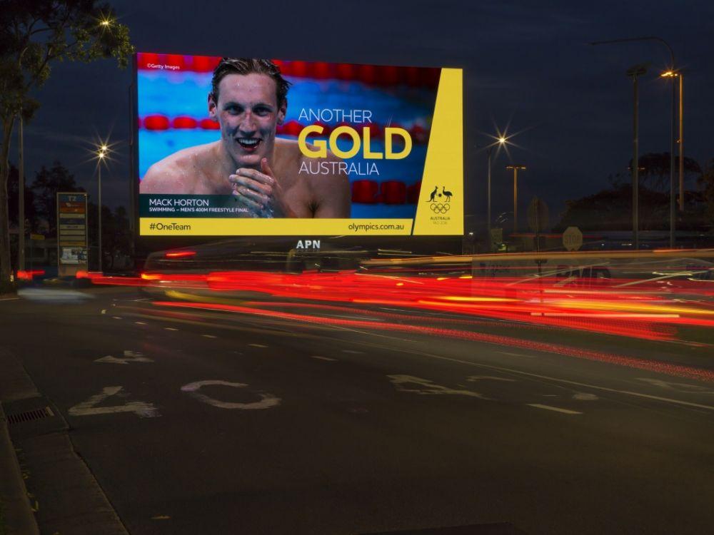 """Dank DS und DooH freut sich Australien mit Schwinner Mackenzie """"Mack"""" Horton über Gold (Foto APN Outdoor)"""