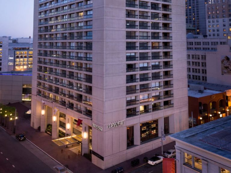Grand Hyatt in San Francisco - links im Bild der Haupteingang (Foto: Grand Hyatt San Francisco)