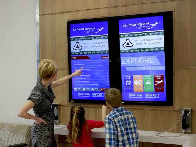 In La Crosse installierte Interaktive Touch Kioske (Foto: Tightrope Media Systems )