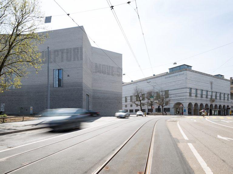 Kunstmuseum Basel mit Neubau (links )und Hauptbau (rechts) (Foto: Kunstmuseum Basel / Julian Salinas)