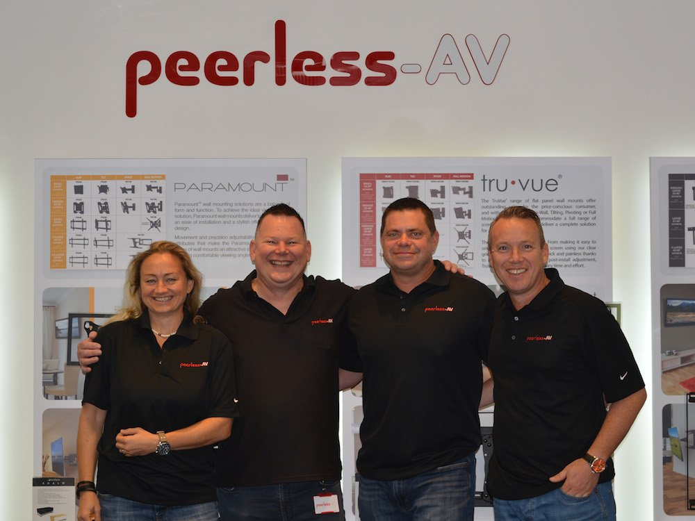 V.l.n.r.: Melinda Von Horvath, Gordon Dutch, John Potts und Keith Dutch (Foto: Peerless-AV)