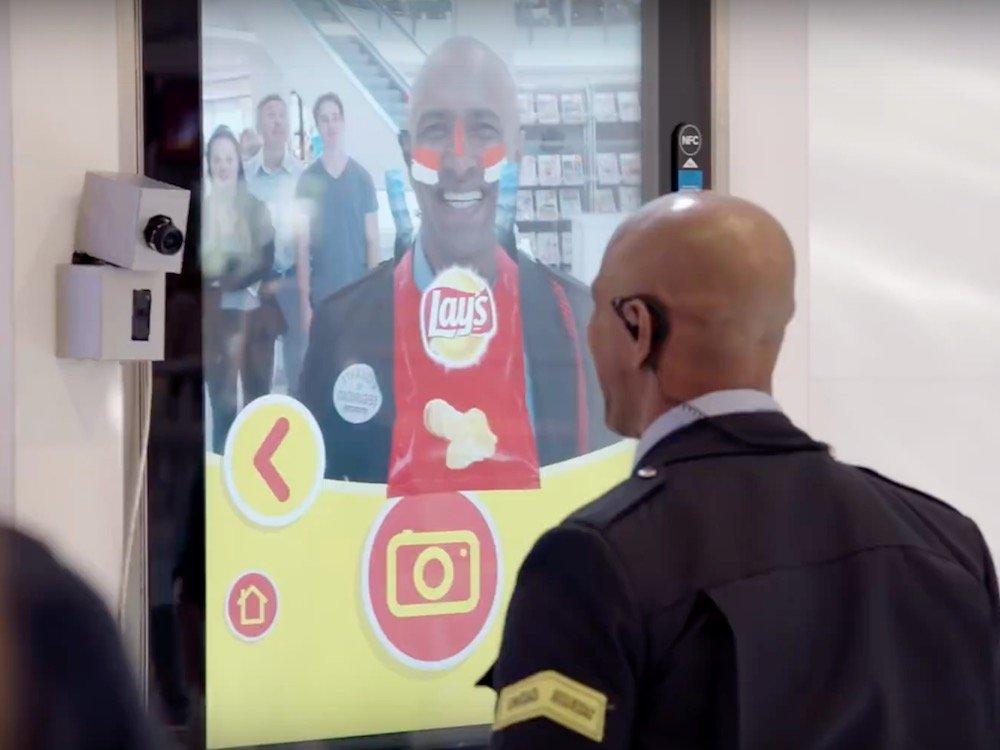 Mit AR Technologie macht die Chips-Marke in Madrid auf sich aufmerksam (Screenshot: invidis)
