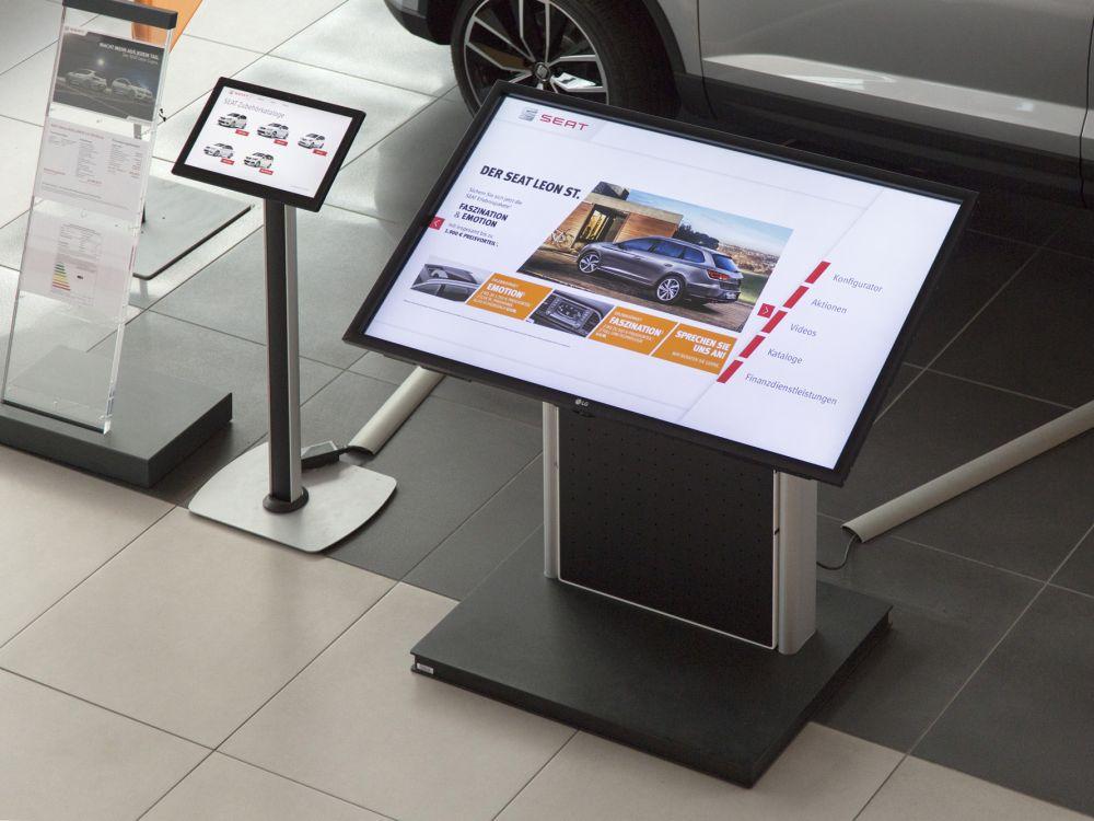 Mit Touch Screens erreicht Seat Interaktionen mit Kunden und Interessenten (Foto: LG / Schumann)