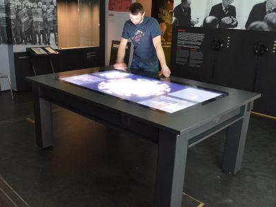 PCAP Multitouch-Tisch im Pan Tadeusz-Museum (Foto: Zytronic)