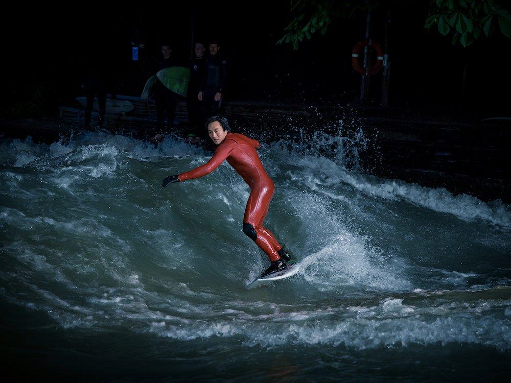 Surfen auf dem Eisbach - Canon inszeniert emotional (Screenshot: invidis)
