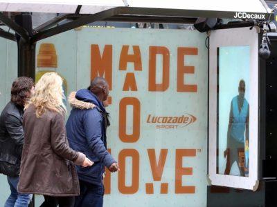 Aktuelle DooH Kampagne von Lucozade Sport (Foto: JCDecaux)