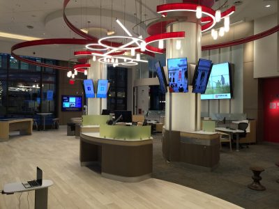 Banco Popular - Digital Signage Screens und Video Wall in einer Filiale (Foto: Banco Popular)