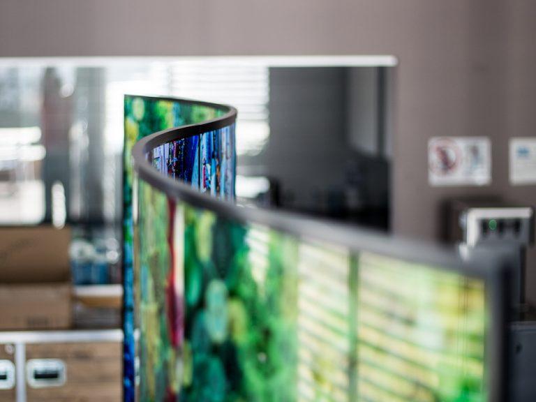 Beide Seiten des Wave Displays sind unabhängig voneinander ansteuerbar (Foto: LG)
