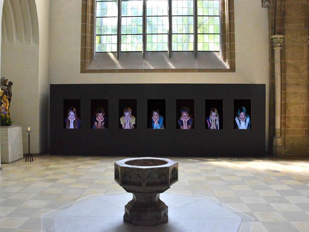 Bewegung findet im Detail statt - Video-Installation Zukunft (Foto: Stefan Hunstein)