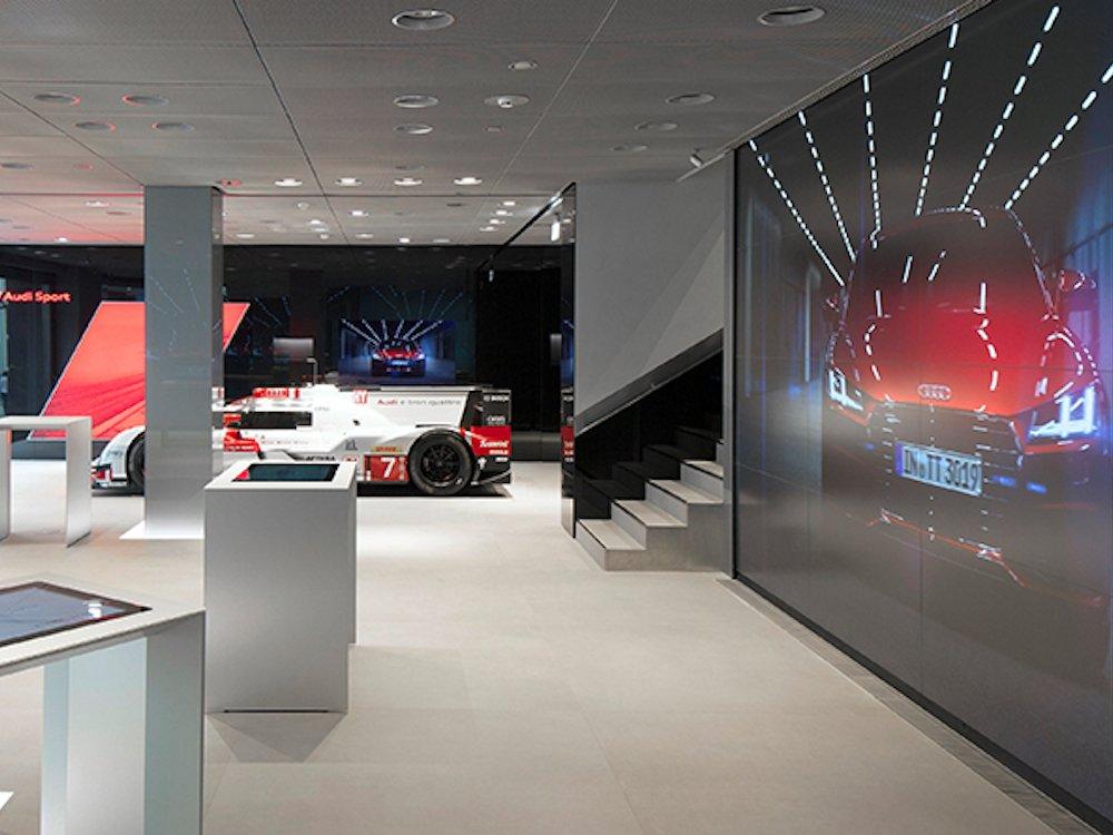 Digital Signage und AV Technik in der Audi City in Moskau (Foto: Audi AG)