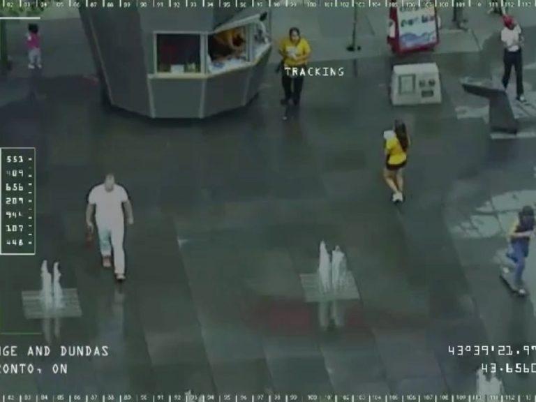 Echtzeitüberwachung für einen Film - DooH Kampagne für Snowden in Toronto (Screenshot: invidis)