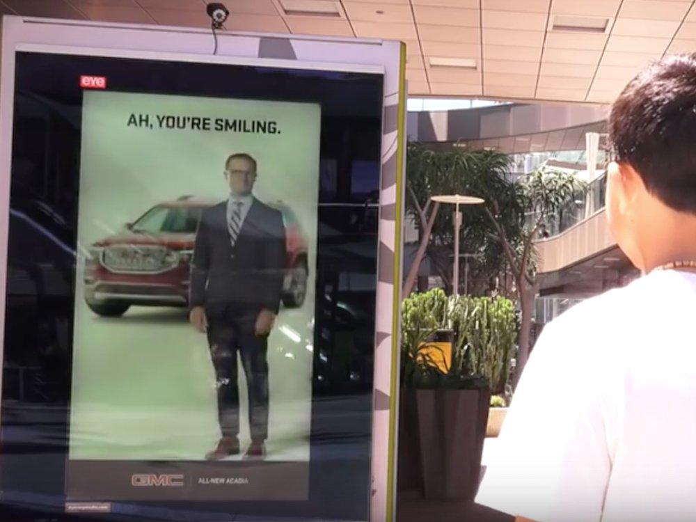 Mehr als nur die Stimmung erfassen - der Screen spielt passende Inhalte aus (Screenshot: invidis)