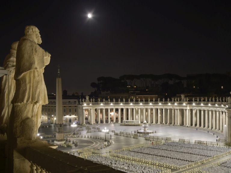 Neues LED Lighting am Petersplatz in Rom (Foto: Governatorato S.C.V. - Direzione dei Musei)
