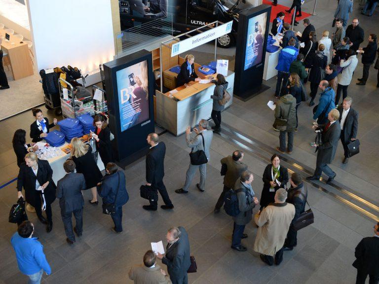 Publikum am Eingang der Medientage München (Foto: Medientage München)