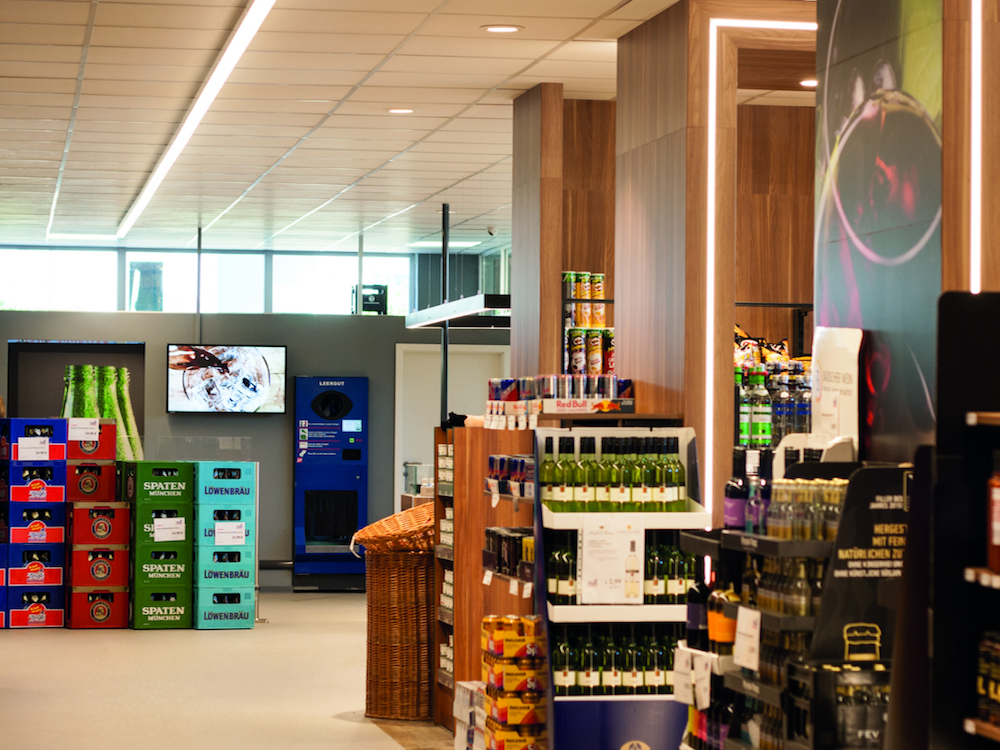 Einzelhandel: Digitale Screens im Getränkemarkt der Zukunft – invidis