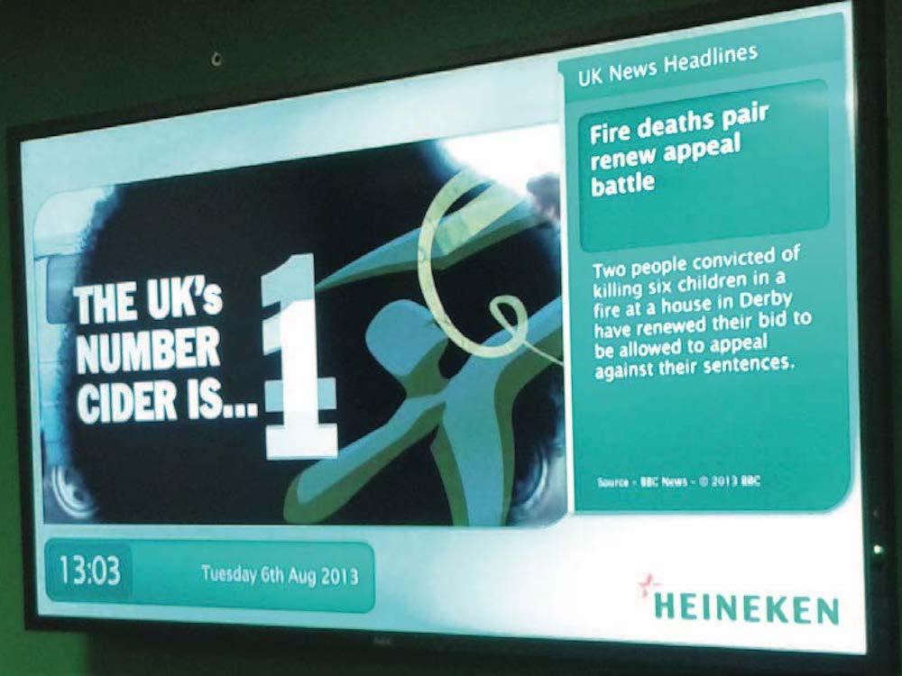 Digital Signage Screen bei Heineken in UK (Foto: Scala)