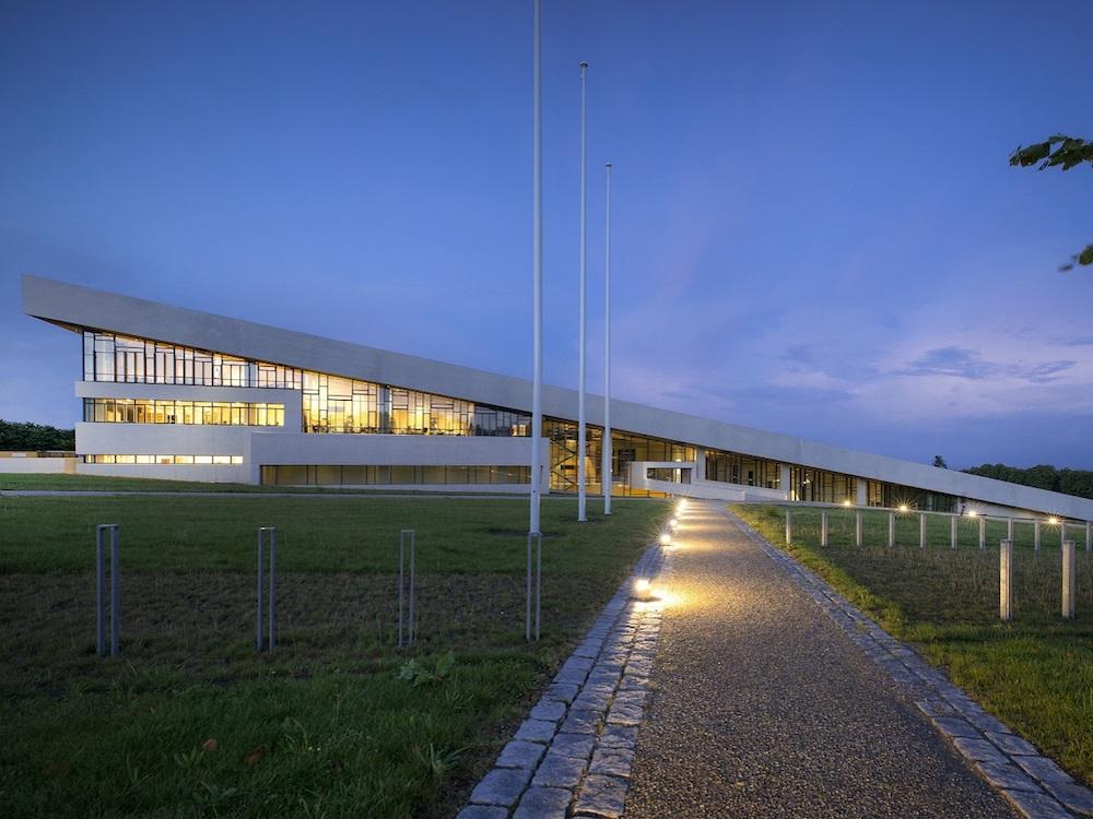 Dreieck in der Landschaft -der Neubau des Moesgaard Museums (Foto: Panasonic)