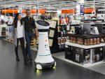 Roboter Paul kann Kunden leiten und mit ihnen kommunizieren (Foto: Saturn)