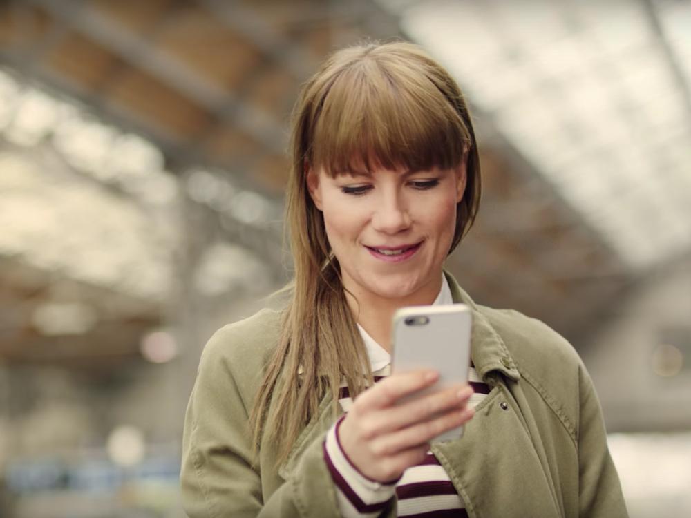 Szene aus dem Spot der neuen Kampagne der Deutschen Bahn (Screenshot: invidis)