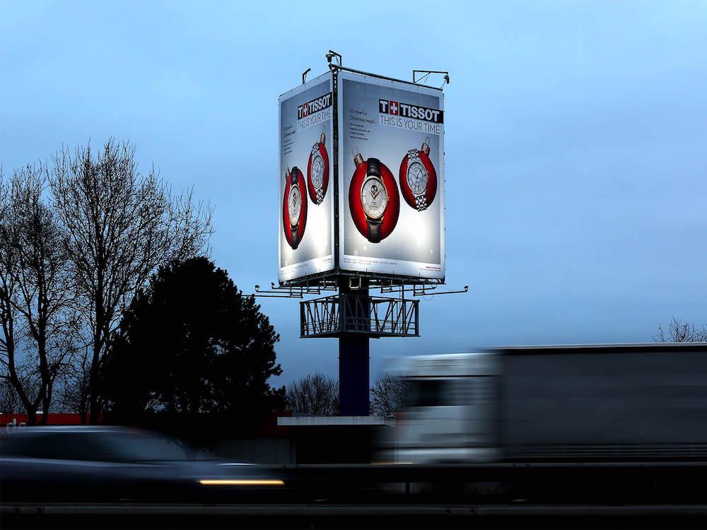 Kampagne von Tissot am neuen Traffic Tower an der A1 bei Bremen (Foto: Ströer)