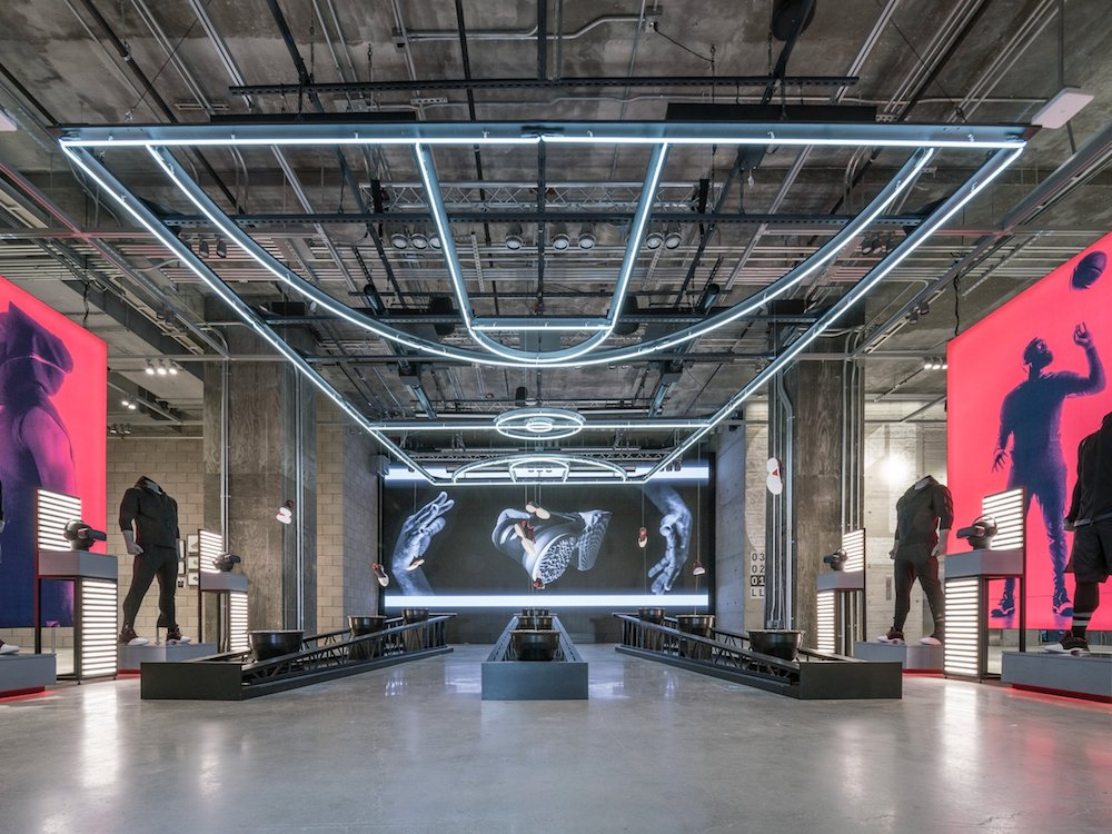 Wie im Stadion - Adidas Flagship in New York (Foto: Adidas)