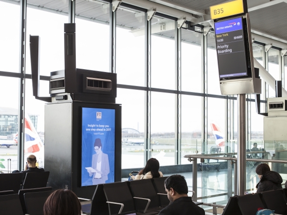 Aktuelle Kampagne der FT am Terminal 5 in Heathrow (Foto: JCDecaux)