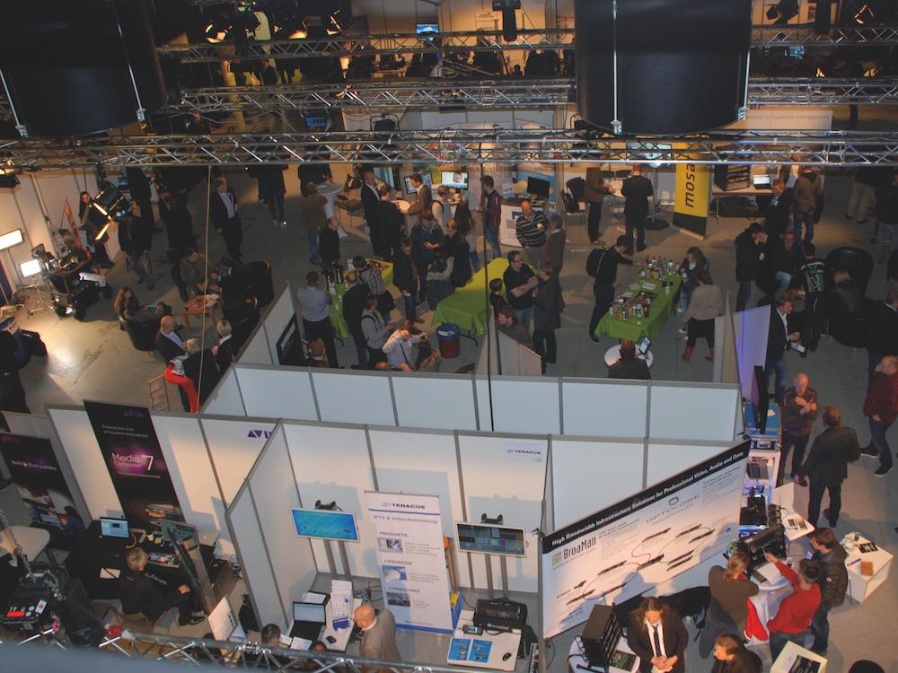 Besucher und Messestände auf der Hamburg Open 2016 (Foto: MCI)