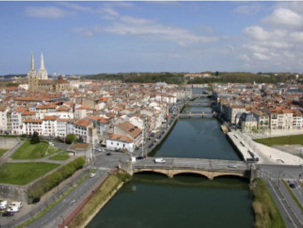 Blick auf Bayonne – Symbolbild (Foto: Office de Tourisme de Bayonne)