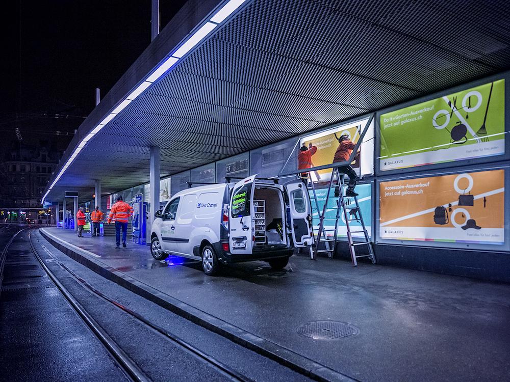 Ein einziger Kunde belegt derzeit alle VBZ Werbeflächen (Foto: Clear Channel)