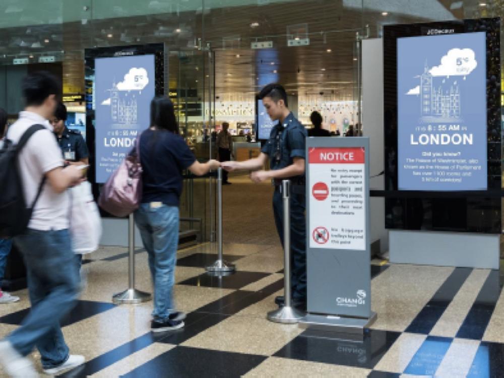Erste kontextualisierte Digitalkampagne am Airport Singapur (Foto: JCDecaux)