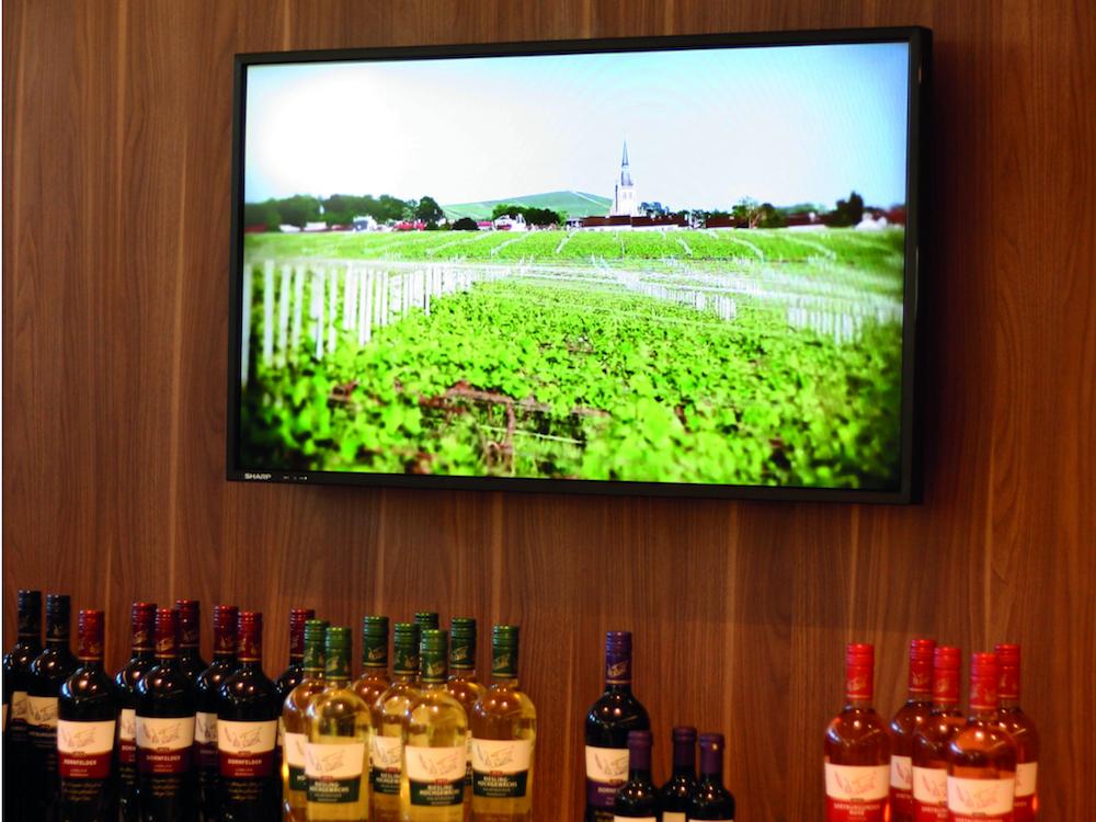 Weinberatung und Verkaufsförderung via PRESTIGEenterprise in einem Getränkemarkt (Foto: Online Software AG)