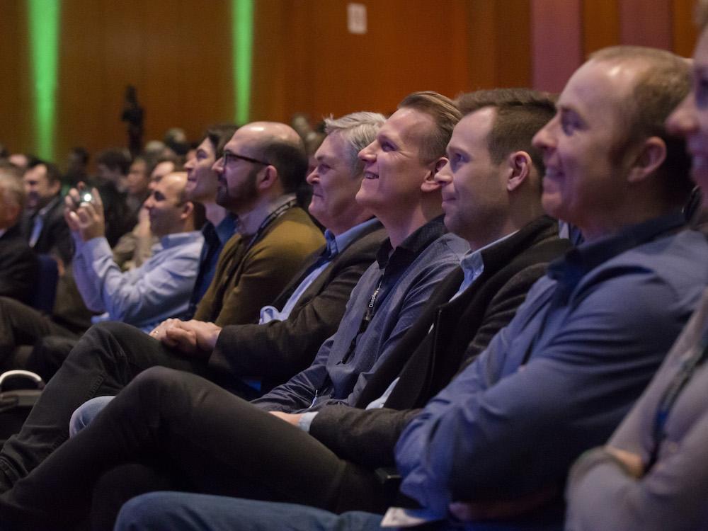 Zuhörer eines Vortrags auf der ISE 2016 (Foto: ISE)