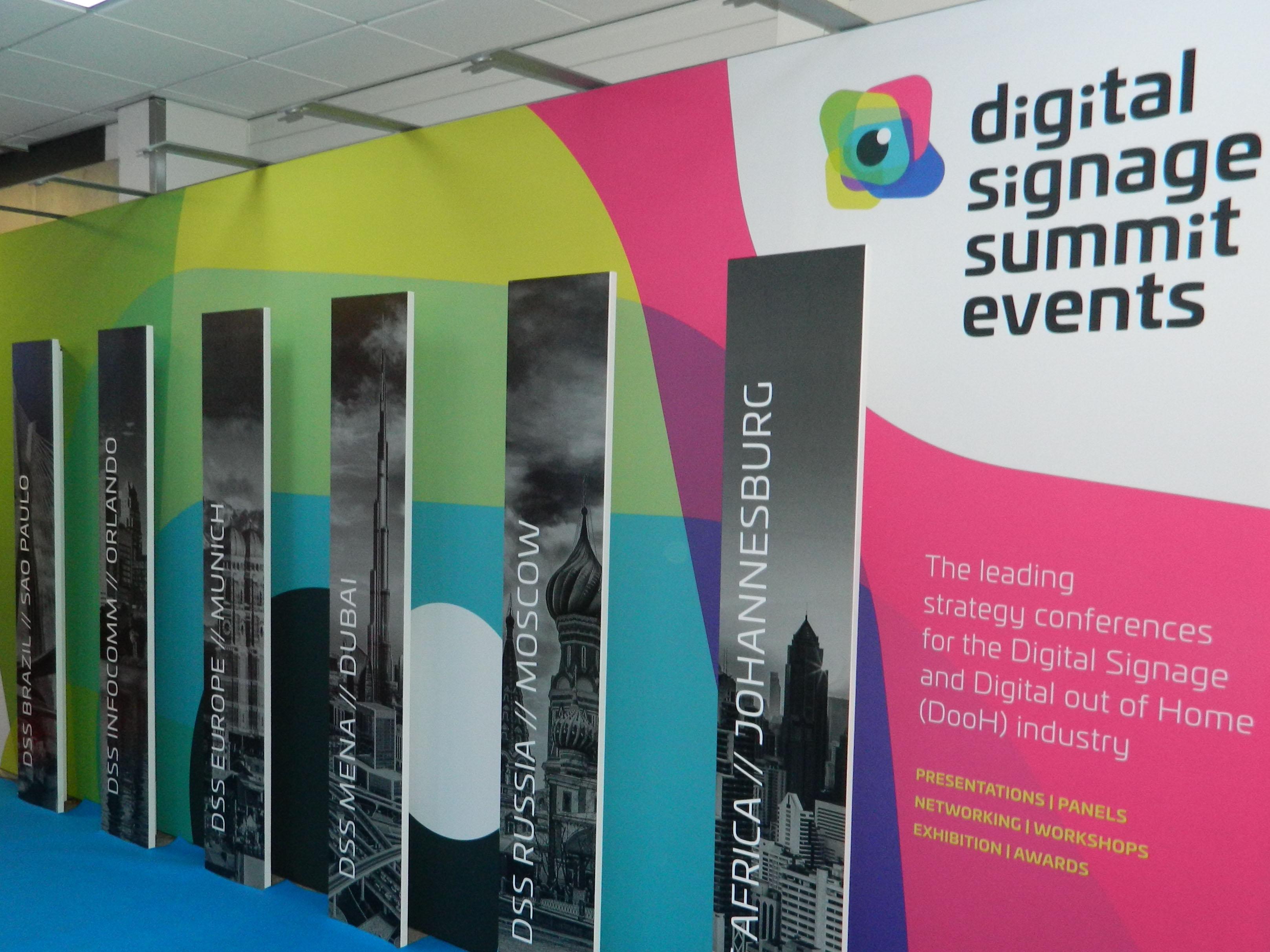 Digital Signage Summit Hallway auf der ISE (Bild: invidis)