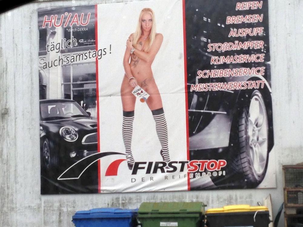 Geht gar nicht - aktuelles Beispiel für sexistische Plakatwerbung in Schwerin (Foto: Deutscher Werberat)