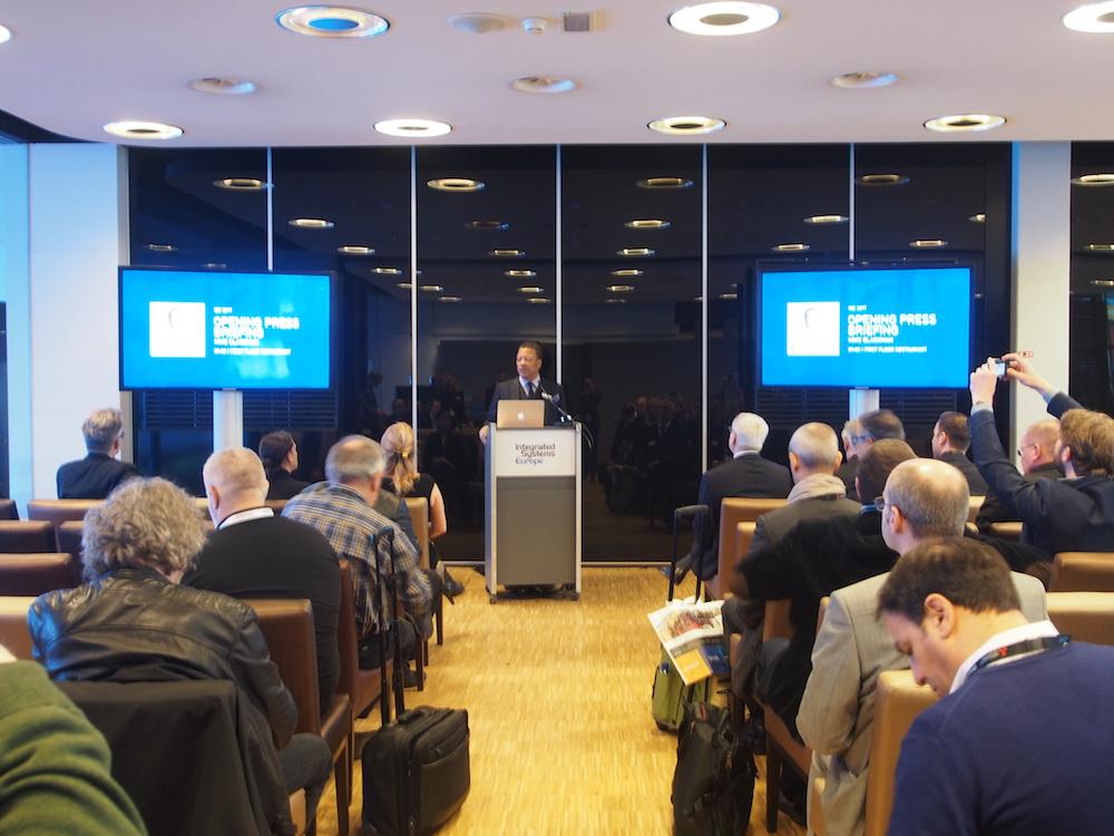 ISE Geschäftsfuehrer Mike Blackman auf der Eröffnungspressekonferenz der ISE 2017 (Foto: invidis)