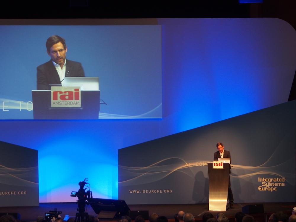 Ole Scheerens Opening Keynote brachte viele neue Impulse (Foto: invidis)