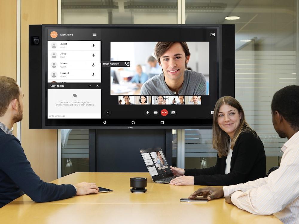 Video Conferencing mit NECs neuem InfinityBoard (Foto: NEC)