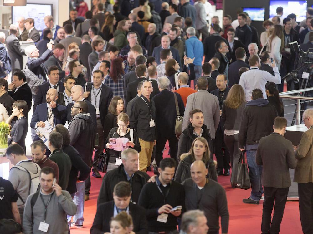 Zuschauer auf der ISE (Foto: Integrated Systems Europe)